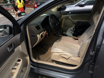 大众速腾副驾驶员座椅调节图解