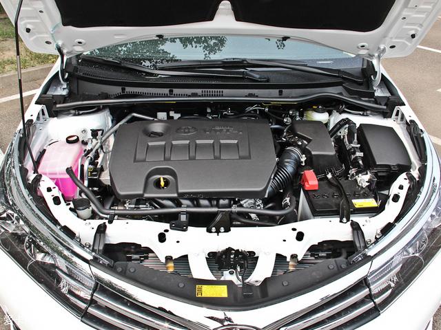 为卡罗拉匹配了两款自然吸气发动机,排量分别为1.6l和1.8l.
