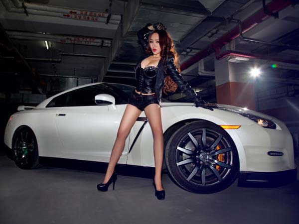 美女车模比基尼诱惑